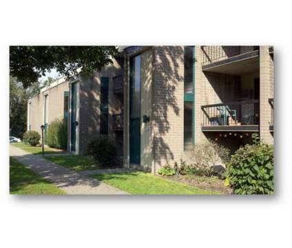 Studio - Woodside Terrace Apartments at 2901 Parklane Nw in Canton OH is a Apartment
