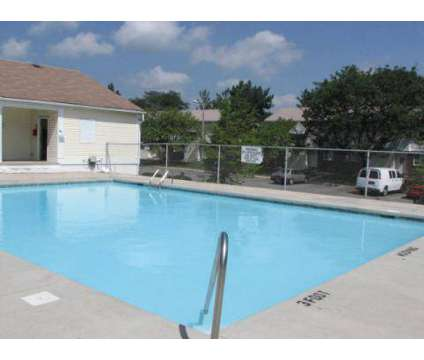 2 Beds - Hyde Park Townhomes and Apartments at 5650 Knighthood Ln in Columbus OH is a Apartment