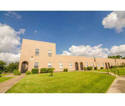 3 Beds - Woodforest Chase at 12411 Woodforest Boulevard in Houston TX is a Apartment