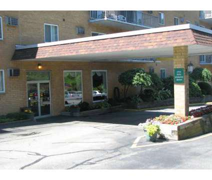 3 Beds - Chateau Perry Apartments at 951 Perry Hwy in Pittsburgh PA is a Apartment