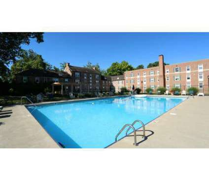 3 Beds - Olentangy Village at 2907 North High St in Columbus OH is a Apartment