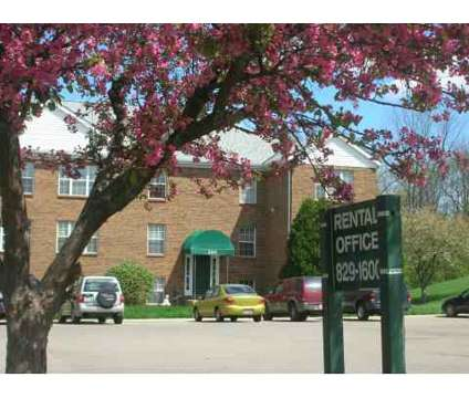 2 Beds - Augusta Square Apts at 200 Knollridge Ct in Fairfield OH is a Apartment