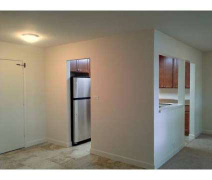 3 Beds - Eagles Apartment Homes at 480 Eagle Dr in Elk Grove Village IL is a Apartment