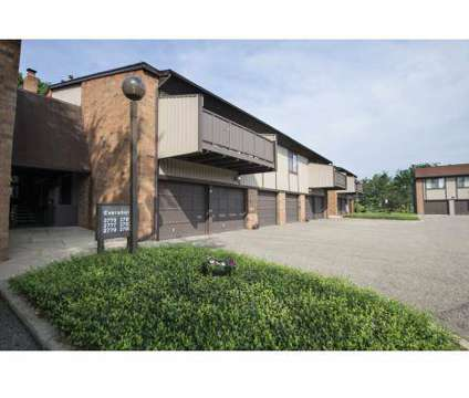 2 Beds - London Square Apartments at 2740 Shaftesbury Drive Nw in Canton OH is a Apartment