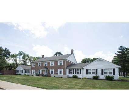3 Beds - Woodlawn Village at 2601 Woodlawn Circle Nw in Canton OH is a Apartment
