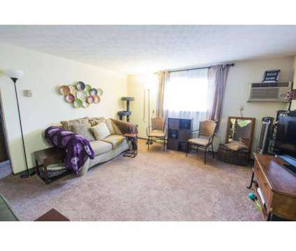 1 Bed - Fountaine DeVille Apartments at 4200 Middlebranch Avenue Ne in Canton OH is a Apartment