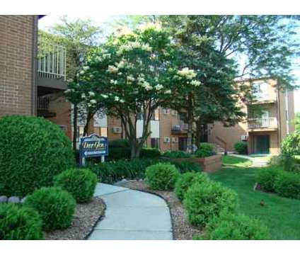 2 Beds - Deer Glen at 228 Glen Ellyn Rd in Bloomingdale IL is a Apartment