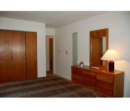 3 Beds - Colony West Apartments at 685 Laurel Dr in Aurora IL is a Apartment