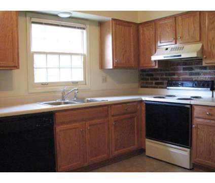 1 Bed - River Oaks Townhomes at 1 Oakhurst Cir in Pittsburgh PA is a Apartment