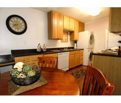 2 Beds - The Trellis at Lees Mill at 308 Charles St in Newport News VA is a Apartment