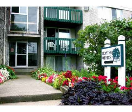 2 Beds - Bloomfields Fox Pointe at 900 Martin Luther King Boulevard South in Pontiac MI is a Apartment