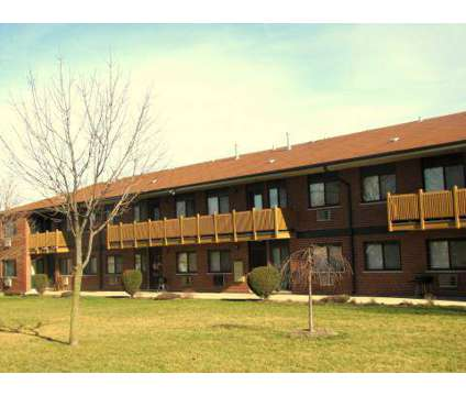 2 Beds - Ginger Ridge Apartments at 1954 Memorial Dr in Calumet City IL is a Apartment