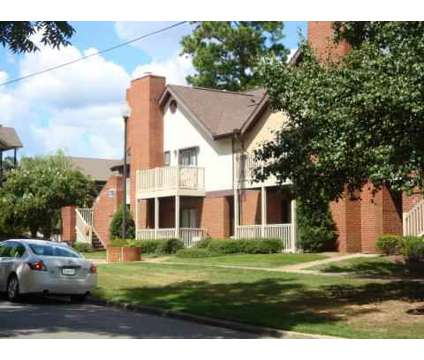 3 Beds - Logan Square Apartments at 733 West Glenn Avenue in Auburn AL is a Apartment