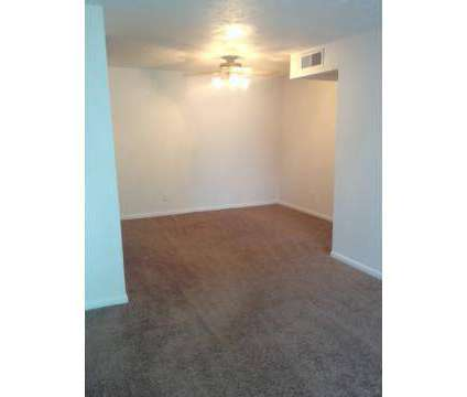 2 Beds - The Legacy at 5515 Hunt Club Ln in Louisville KY is a Apartment