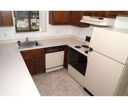 3 Beds - Burton Ridge at 3424 Burton Ridge Rd Se in Grand Rapids MI is a Apartment