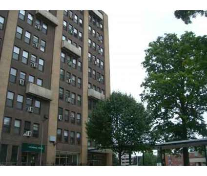1 Bed - Parkview Towers at 967 Asylum Ave in Hartford CT is a Apartment