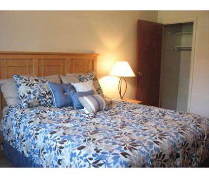 1 Bed - Wilmington Pointe Apartments at 933 Wilmington Avenue in Dayton OH is a Apartment