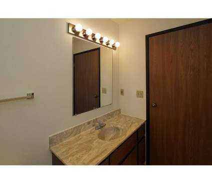 2 Beds - Applegate Estates at 2130 W Russet Court in Appleton WI is a Apartment