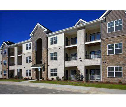 2 Beds - The Plantation at Jacksonville at 5116 Western Boulevard in Jacksonville NC is a Apartment