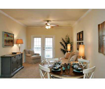 3 Beds - The Plantation at Jacksonville at 5116 Western Boulevard in Jacksonville NC is a Apartment