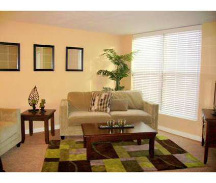 2 Beds - Walnut Tower at 722 Walnut in Kansas City MO is a Apartment