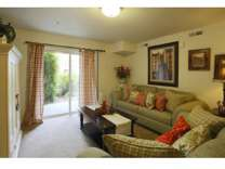 2 Beds - Hunters Pointe