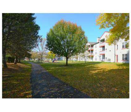 3 Beds - The Wheatlands at 1225 Deerfield Parkway in Buffalo Grove IL is a Apartment