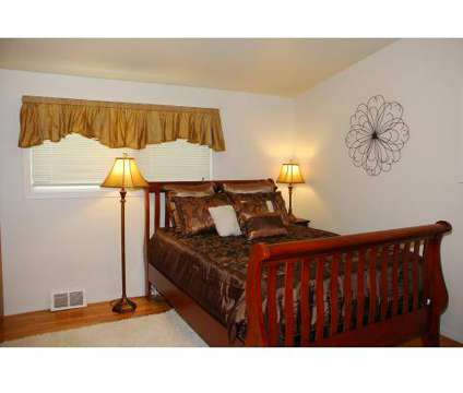 2 Beds - Windsor Crossing at 5321 West John Gay Dr in Spokane WA is a Apartment