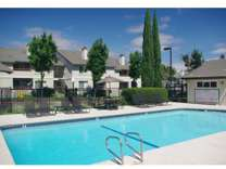 2 Beds - Peppertree Apartments
