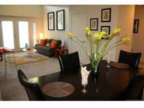 2 Beds - 909 Broad Street Apartments