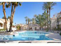 2 Beds - Palm Villas Apartments