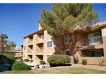 2 Beds - Royal Palms Apartments