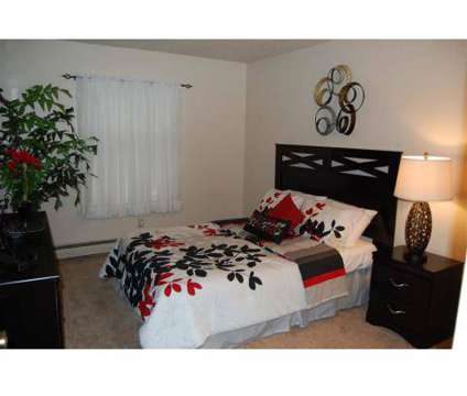 1 Bed - Waverly Park Apartments at 4030 Hartford Rd in Lansing MI is a Apartment