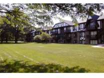 2 Beds - Waverly Park Apartments