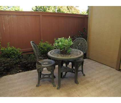 3 Beds - Stonebridge at 2800 Braden Avenue in Modesto CA is a Apartment