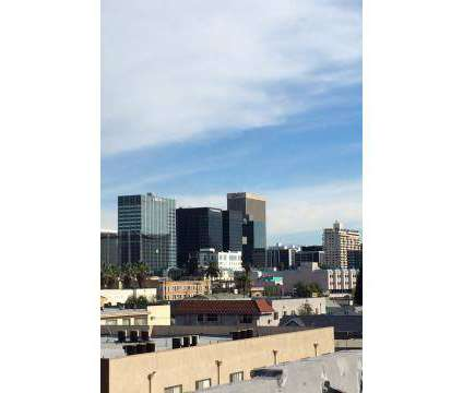 Studio - Park Gramercy at 849 Gramercy Drive in Los Angeles CA is a Apartment