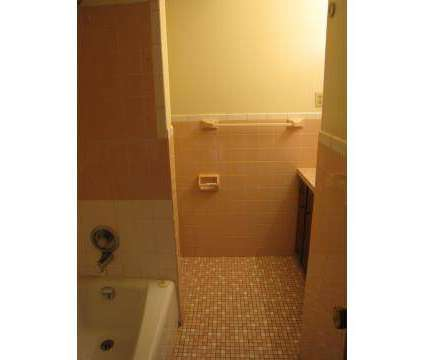 2 Beds - Bellevue Gardens at 2911 Washington St in Bellevue NE is a Apartment