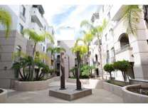 2 Beds - La Jolla Crossroads
