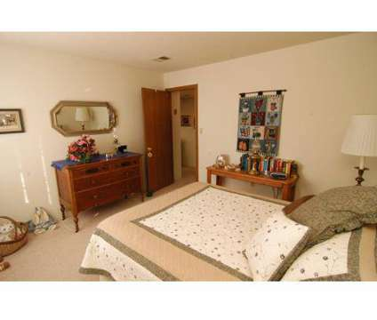 1 Bed - Somerset Apartments at 8341 Karl Ridge Rd in Lincoln NE is a Apartment