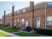2 Beds - Boulevard North Townhomes