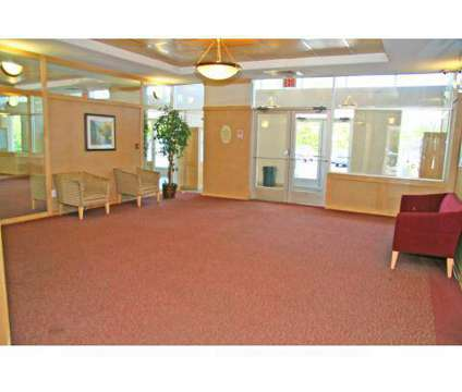 2 Beds - The Arbors at 220 S Lenola Rd in Maple Shade NJ is a Apartment