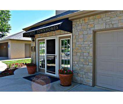 2 Beds - Pinecrest Townhomes at 15303 West 128th St in Olathe KS is a Apartment