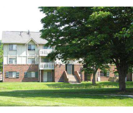 1 Bed - Woodbridge Manor at 517 E Edgewood in Lansing MI is a Apartment