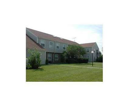 1 Bed - Charleston Park at 1815 Howard St in Saint Charles IL is a Apartment