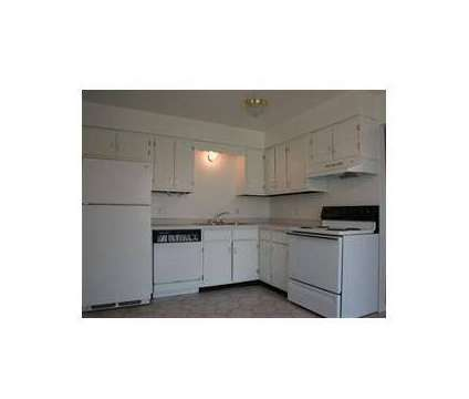 3 Beds - Charleston Park at 1815 Howard St in Saint Charles IL is a Apartment