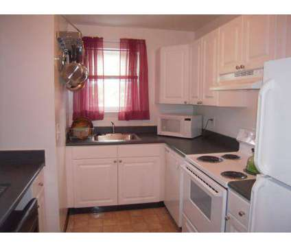 3 Beds - Harbor Club at 26 Cheswold Blvd Apartment 2a in Newark DE is a Apartment