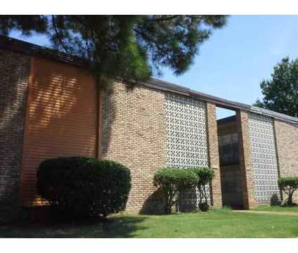 1 Bed - University Gardens Manor at 2059 Cabana Circle N in Memphis TN is a Apartment
