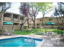 2 Beds - Sundale Apartments