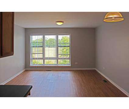 3 Beds - Roosevelt Square at 1222 W Roosevelt Rd in Chicago IL is a Apartment