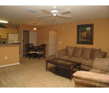 3 Beds - Hunter's Run at 1535 Blanding Boulevard in Middleburg FL is a Apartment